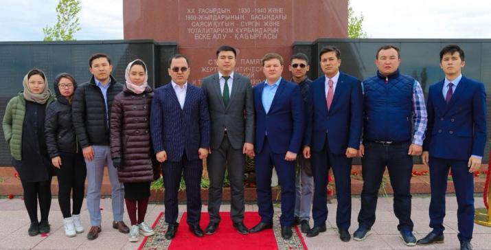 Религиозные объединения страны почтили память жертв политических репрессий и голода